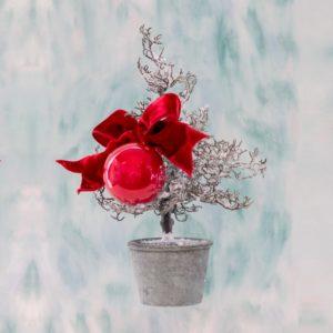 micro albero di natale con decoro laterale Andrea Patrizi Flower Shop