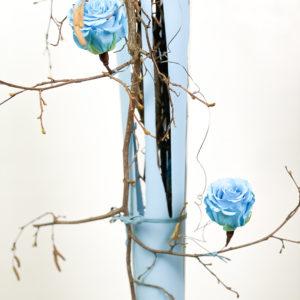 Rami di salice e rose stabilizzate | Andrea Patrizi Flower Shop